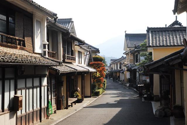 画像: 商店街から少し歩くと…美しい町並みが現れました