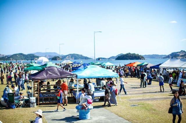 画像: 年に4回ほど宇野港で行われるマルシェ「UNOICHI」の風景