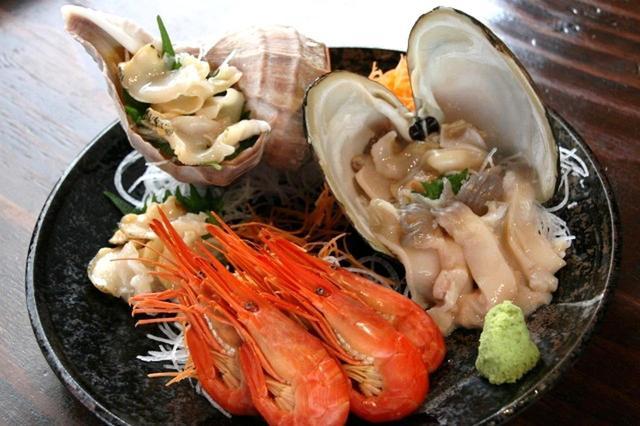 画像: 活つぶ刺、活ほっき刺、厚岸産北海シマエビ。ひとつひとつが大きくて美味しさ&食感も楽しめる