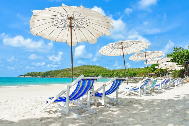 画像2: 澄んだ海と純白の砂。楽園のようなビーチが多数!