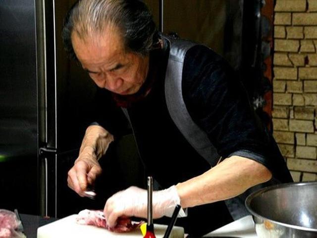 画像: マスターは遠藤定見さん。北見の出身で、長年ドイツとかヨーロッパでコックをなさっていたそう。