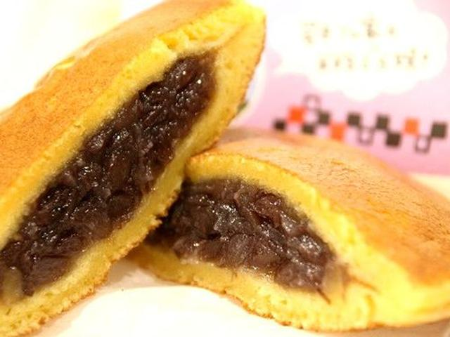 画像: 岩本さんちの米粉どら焼き。岡山県産米粉、岡山県産備中小豆使用。皮がしっとり、もちもち。まさに新食感。