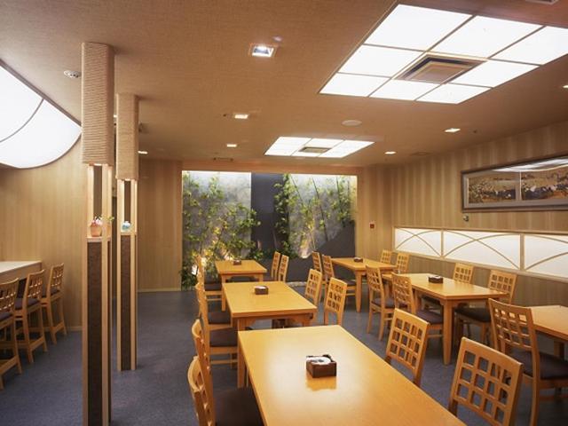 画像: 浜松城の眼下にあるホテルコンコルド浜松にある「堂満」。趣向を凝らした日本料理の数々を豊富に取り揃えています。