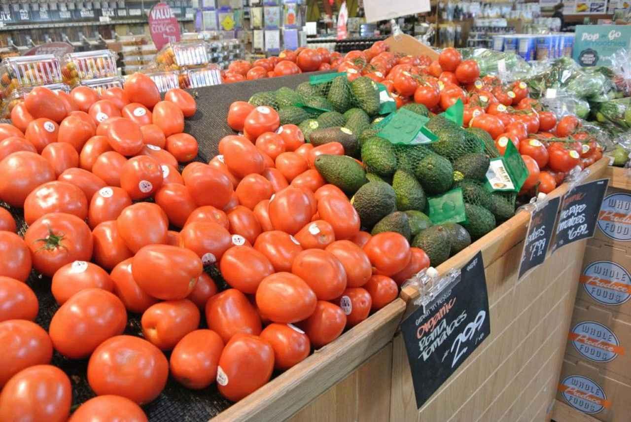 画像3: スーパーマーケットでの買い物も、みんなで過ごす楽しい時間