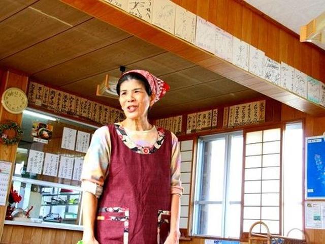 画像: 『すむばり』の狩俣ハツ子さん。凄いです。伺えば奥さんは与那国島の出身で石垣島が長かったそうですが、旦那さまがこちらの方。