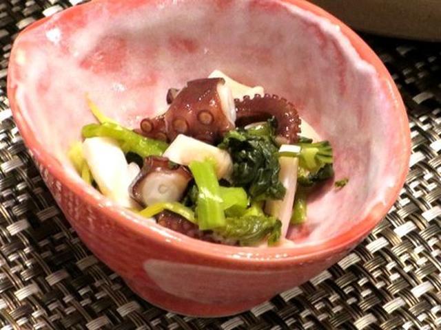 画像: 自家製たこわさびオリジナルの大人気酒肴。下津井港で採れたたこを葉わさびと出汁醤油で和えた一品。日本酒と良く合います。