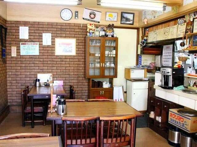 画像: 店内は1階と2階があります。ザンタレ屋さんではなく、洋食レストラン。一番人気がザンタレというわけです。