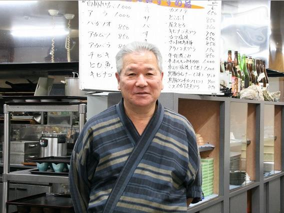画像: ご主人は、迫田和治さん。霧島のホテルなどで腕を揮った後、屋久島のシーサイドホテルに。料理長を12年勤め、18年前に独立。
