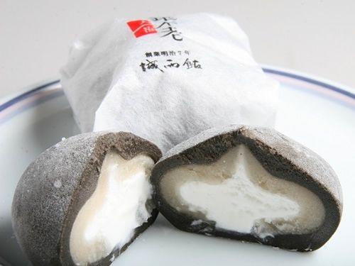 画像: 高知県長岡郡大豊町のみで生産される稀少価値の高い銀不老豆は、古くから「不老長寿の豆」として珍重されています。その豆を使用。