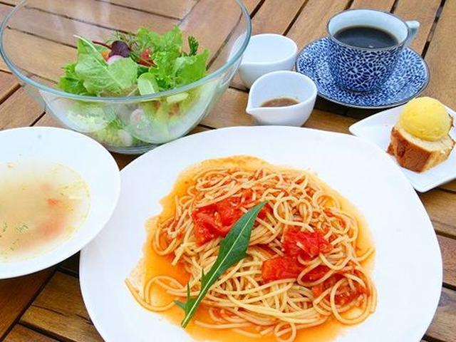 画像: 「有機野菜のランチセット」をいただきました。サラダ、メインディッシュ、スープ、デザート、珈琲or紅茶がついたお得なセット。