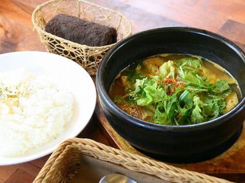 画像: 「安芸なすとトマトのスープカレー」安芸市の野菜の良さがふんだんに表れた一品です。