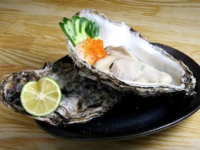 画像: 「牡蠣小町(大)」蒸しと天ぷらがありますが、こちらは蒸し。大きな牡蠣が、凄い!