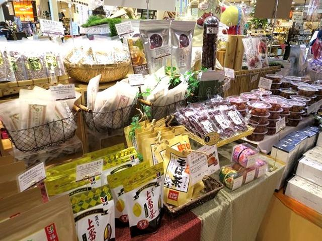 画像: 福井の観光情報はもちろん、福井県内の優れた商品販売を行っています。商品アイテムは、なんと2,000点以上!