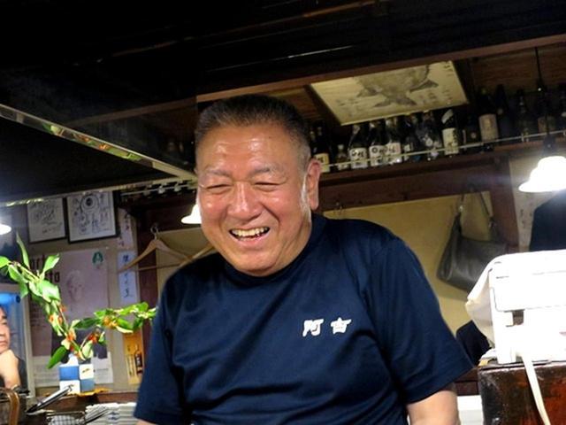 画像: 親方の百武稔さんは、仙台市の出身。大の釣り好きで、以前訪れて気に入った三宅島の地名から「阿古」という店名を付けたそう。