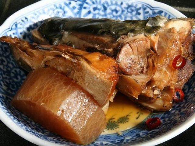 画像: あら煮もいいですね!今日のは、ぶり。鯛などの時もあるそう。