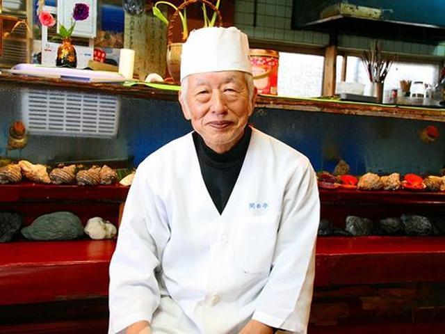 画像: ご主人の徳岡清弘さんは、愛媛県の出身。東京や仙台、大阪、京都など各地で日本料理の腕を揮っていたそう。
