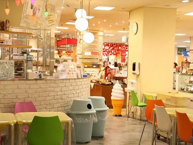 画像: 90%がテイクアウトということですが、店内にもイートインスペースがあり、ゆっくりとサンドイッチを味わう事ができます。