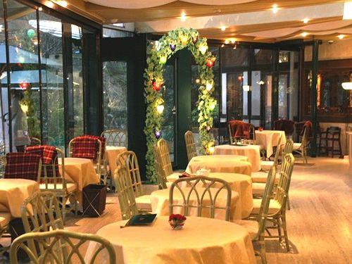 画像: 素敵な美術館内に建つ一軒家の「ラ・カンツォーネ」。もともと評判のカフェ&レストランですが、2年前に厨房もリニューアル。