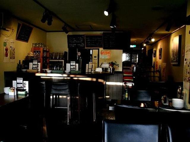 画像: もともと材木町で「よ市」というイベントがあり、サーバーを持ち出してビールを売っていたのが店舗となったのだとか。