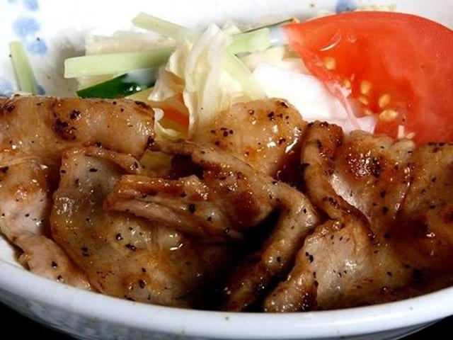 画像: 県産豚を中心に使用した焼肉。