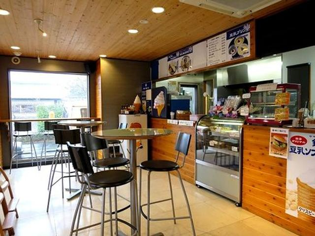 画像: 隣には『銀かつ工房』というイートインスタイルのカフェを併設。一番人気の「銀かつサンド」、「銀かつバーガー」などが味わえます。