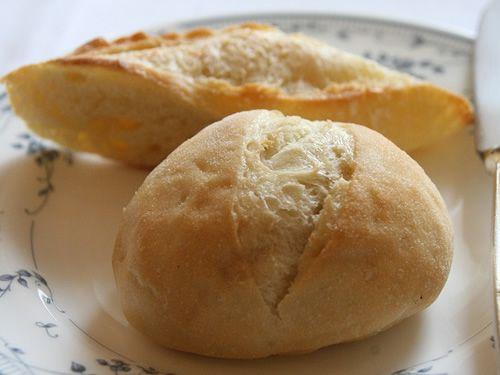 画像: パンやコーヒー(orティー)なども、ハイレベルです。