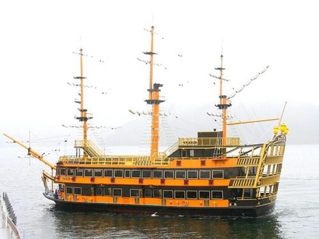 画像: 箱根海賊船の発着場にもなっているので、出入港の様子を楽しむことも。