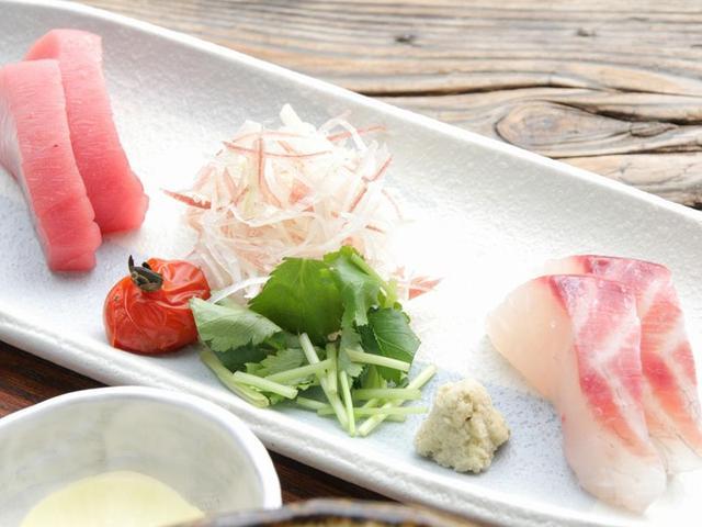 画像: お刺身も、熟成しています。今日は本マグロと、ヘダイ。熟成魚の味わいがよく分かります。しっとりとして甘みが広がります。