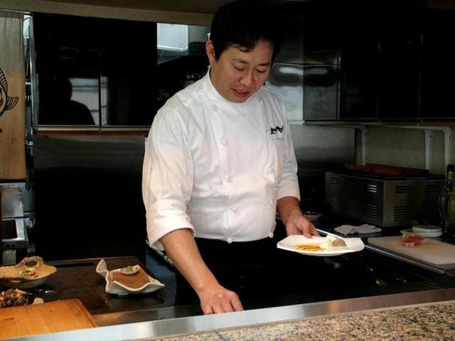 画像: マスターの安田智之さんは、鹿児島の出身。『なだ万』で東京や名古屋に転勤になるうちに、料理に魅了されたそうです。