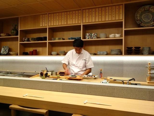 画像: 三代目の谷山正利さんは、東京・銀座の名店「久兵衛」などで修業を積んで、実家に戻った実力派。