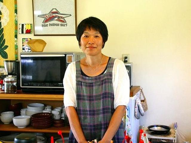 画像: 丸根典子さんは大阪の出身。ご主人さんとともに種子島に移住してきました。