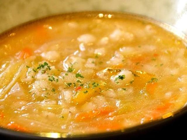 画像: たっぷり野菜のスープ(日により内容は変わります)。