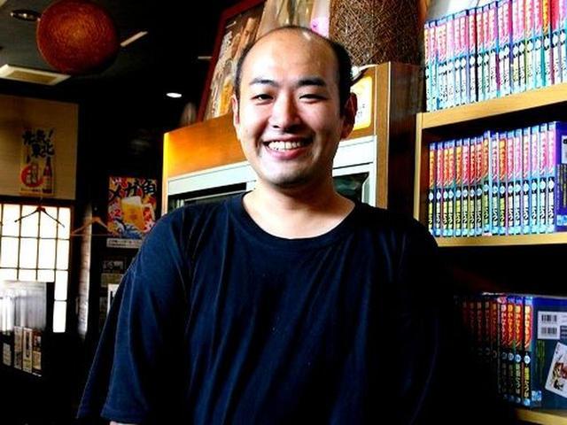 画像: ご主人は江畑朋幸さん。男鹿市の出身で、お父様が戸賀漁港の第八政丸を持っている、正真正銘の漁師直営!