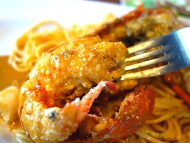 画像: もちろん、伊勢海老自体のおいしさは格別。プリプリとした肉厚な食感が、贅沢な味わい。