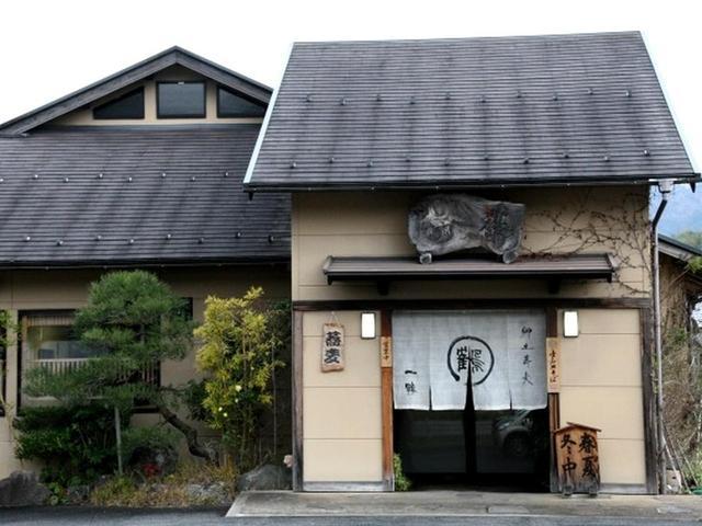 画像: 出石には約50軒のそば店があります。その中から「一鶴(いっかく)」を訪れました。