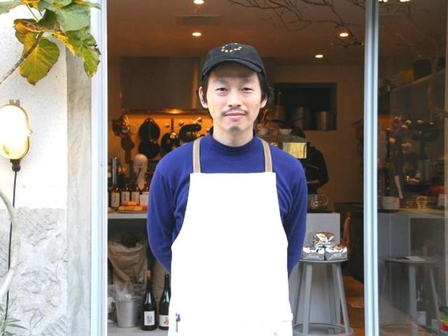 画像: ご主人は谷垣亮太朗さん。奥様と切り盛りなさっています。「2年探してようやく見つけた場所なんです」と谷垣さん。