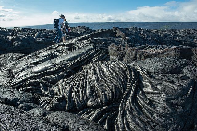 画像: カラパナの溶岩大地