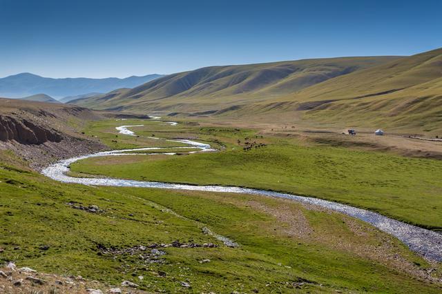 画像: 大草原に点在する文化遺産をめぐる「オルホン渓谷の文化的景観」