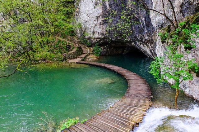 画像2: クロアチアの首都・ザグレブから「プリトヴィッツェ湖群国立公園」へ