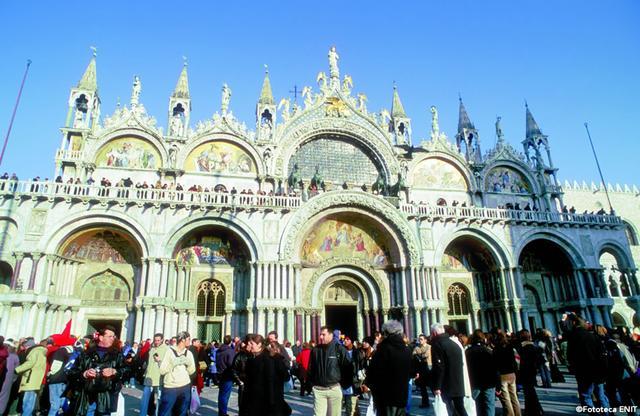 画像: 千年の都を彩る、美しき建築をめぐる