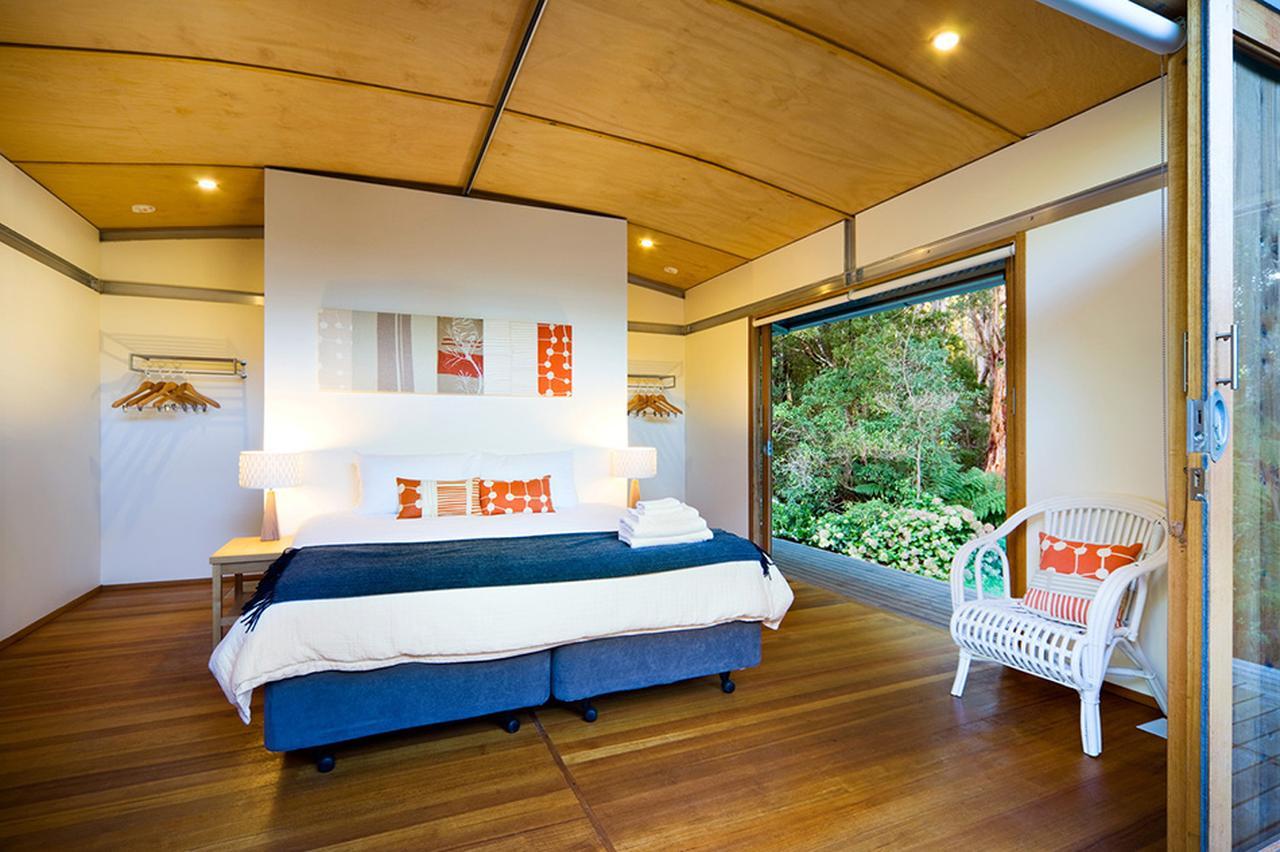 画像: 広々としたベッドルーム © Australian Walking Company