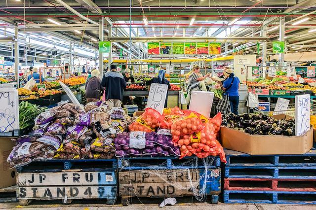 画像: ダンデノン(Dandenong)のマーケット。新鮮な食材が手に入る。