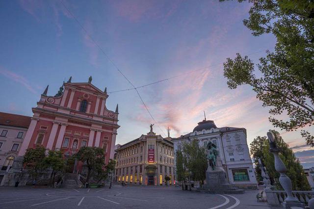 画像2: スロベニアの首都・リュブリャナから「ブレッド湖」へ