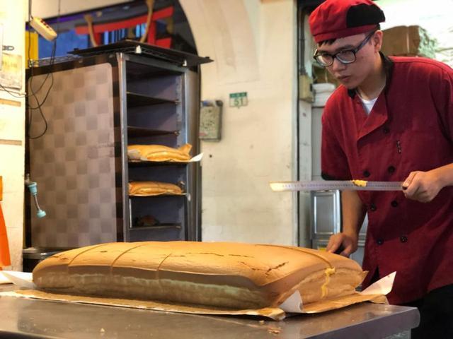 画像2: 「現烤蛋糕」で台湾風ふわふわケーキをちぎり食べ