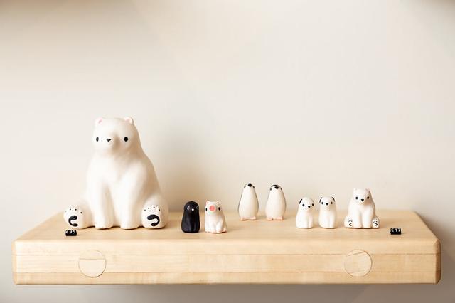 画像: 現地在住日本人彫刻家小山泰さんの動物たちは、ショップでも永く愛されるアイテム
