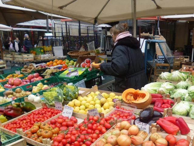 画像2: カンポ・ディ・フィオリ市場
