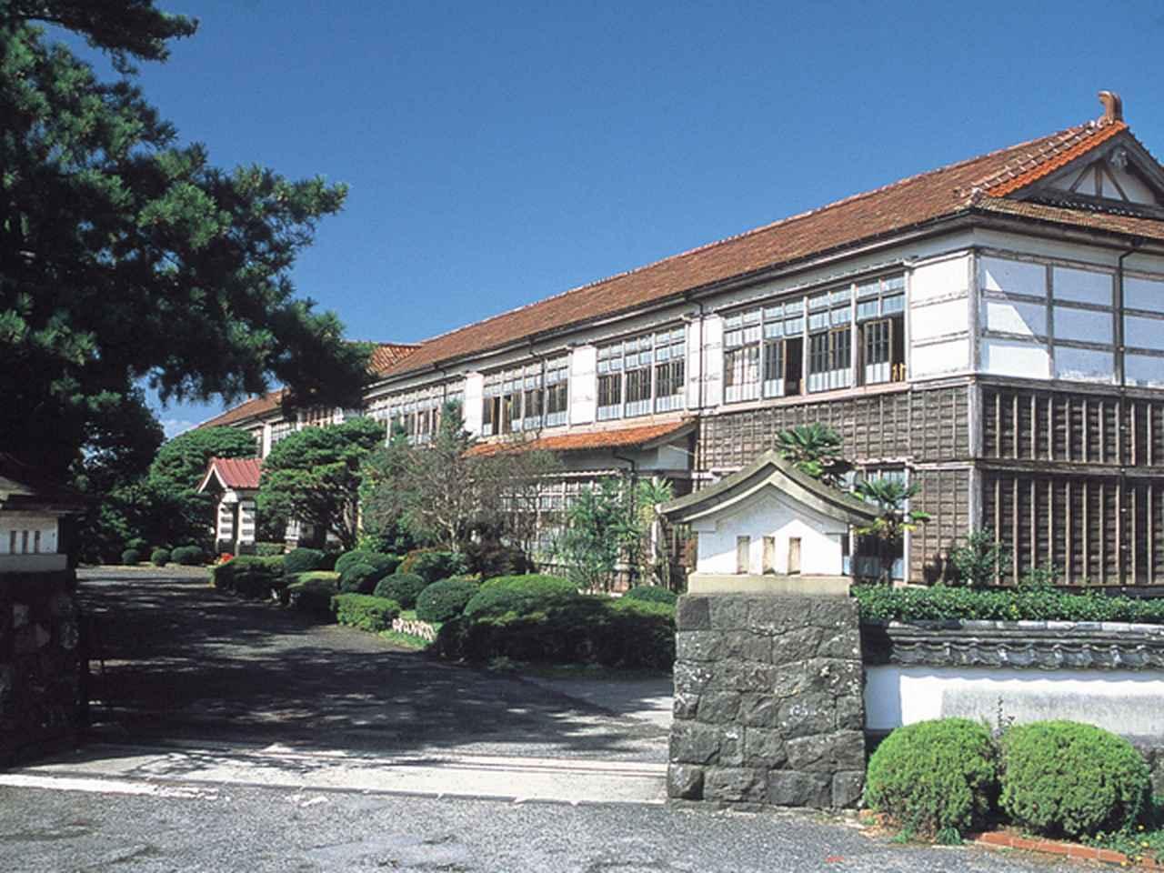 画像: 11:15 「萩藩校明倫館」跡地に建つ「萩・明倫学舎」のレストランでランチ