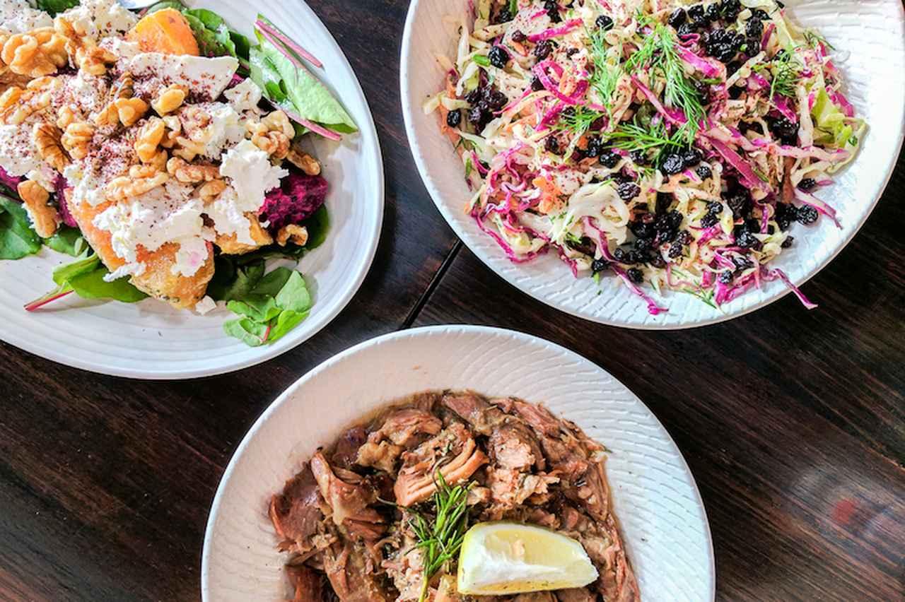 画像: 彩りが美しい、ギリシャ料理専門店「Bahari」の料理