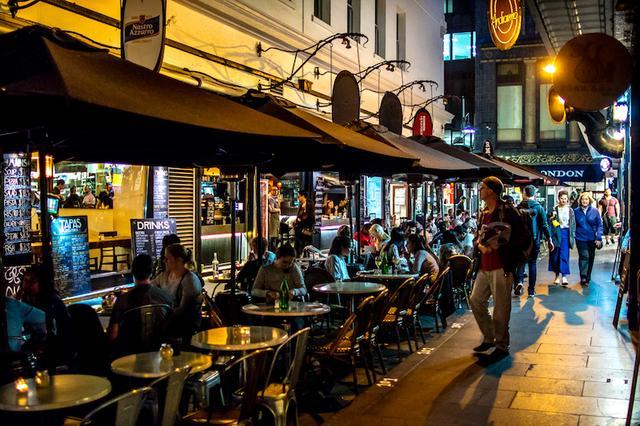 画像: 街や人を知るにはまず「食べること」