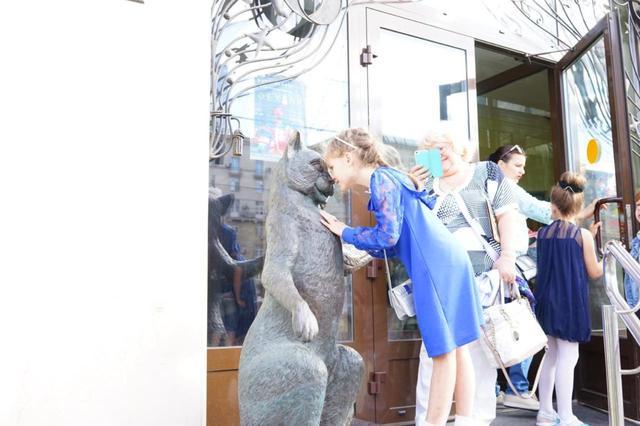 画像: ククラチョフ猫劇場のエントランス